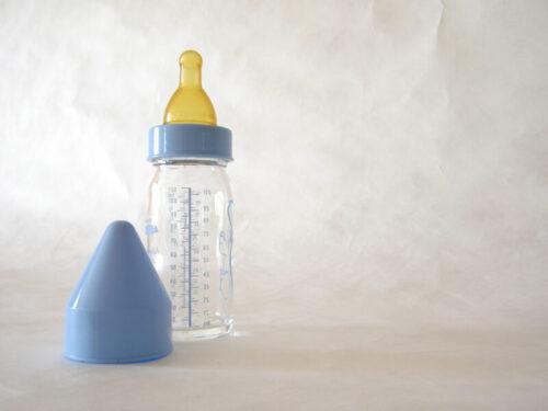 Smoczki do butelek do karmienia niemowląt
