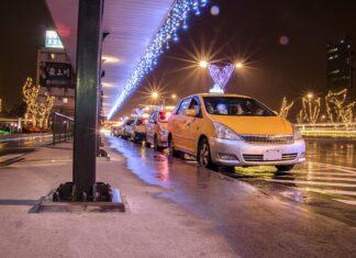 ile zarabia taksówkarz