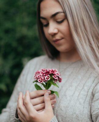 Swetry damskie długie